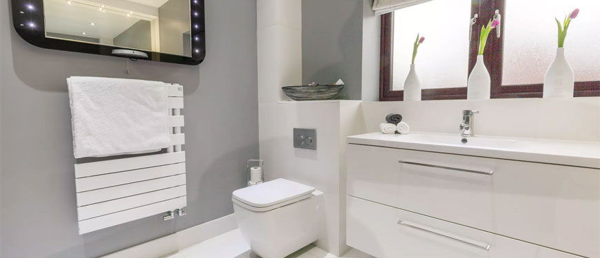make-small-bathroom-appear-larger